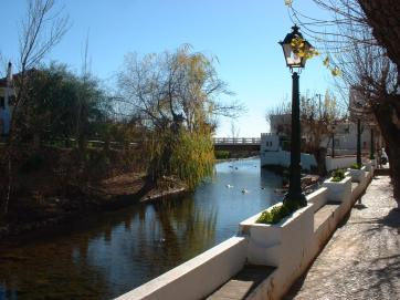 Fonte Pequena at Alte, has two little bridges