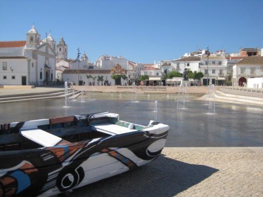 Tickling a sunny square in the Algarve
