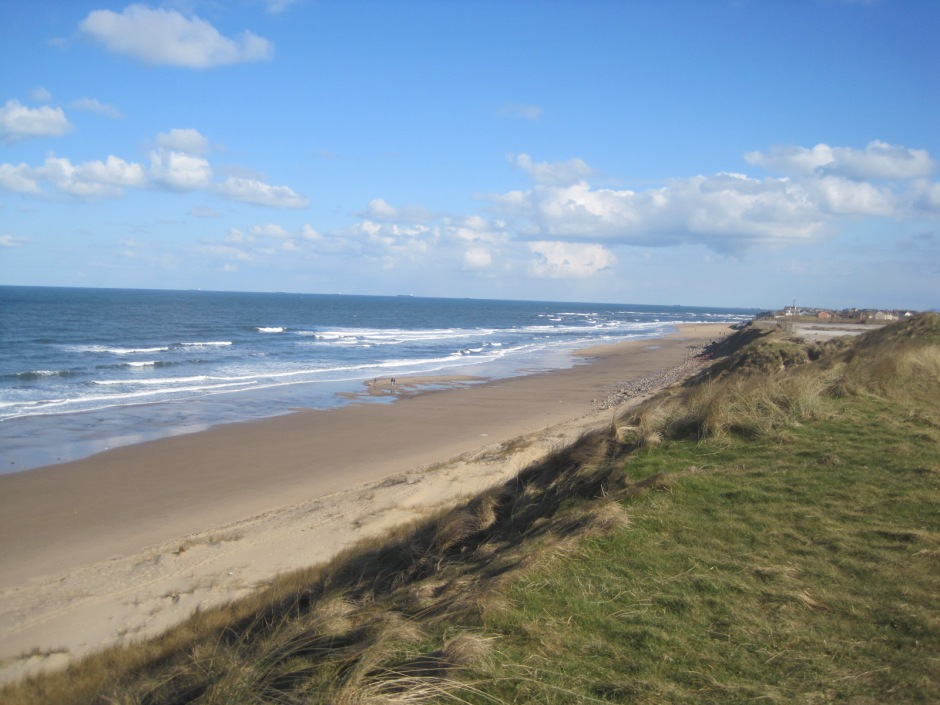 And back along the top of the dunes