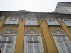 Wonderfully shabby peeling windows on Ulica Grodzka