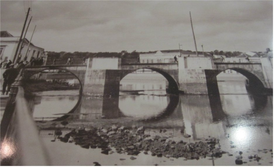 Ponte Romana B & W