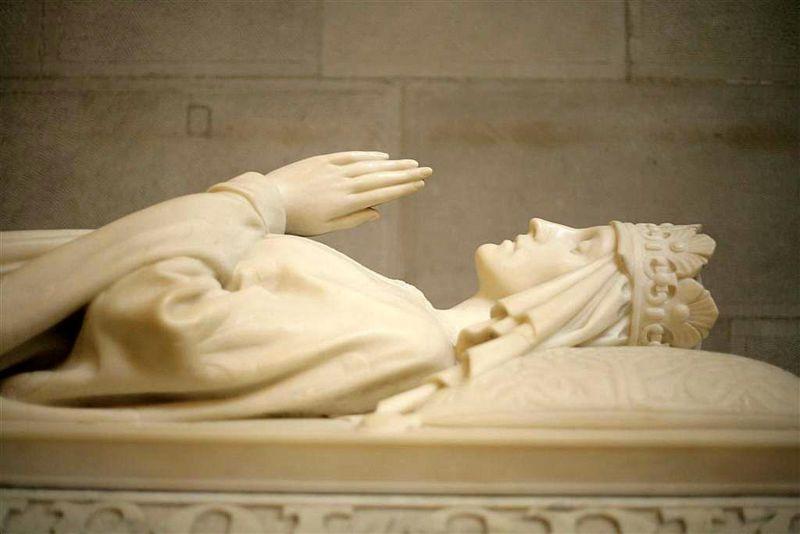 Jadwiga's tomb, in Wawel Cathedral, Krakow- from Wikipedia