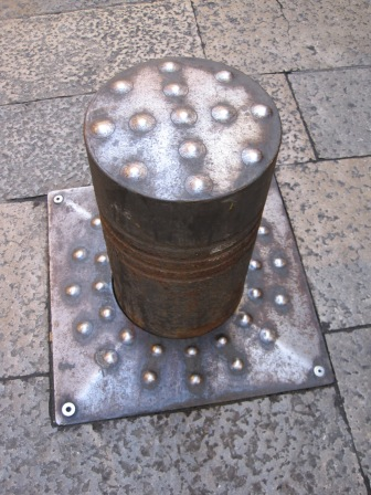 but I wasn't fond of the bollard that tripped me up!