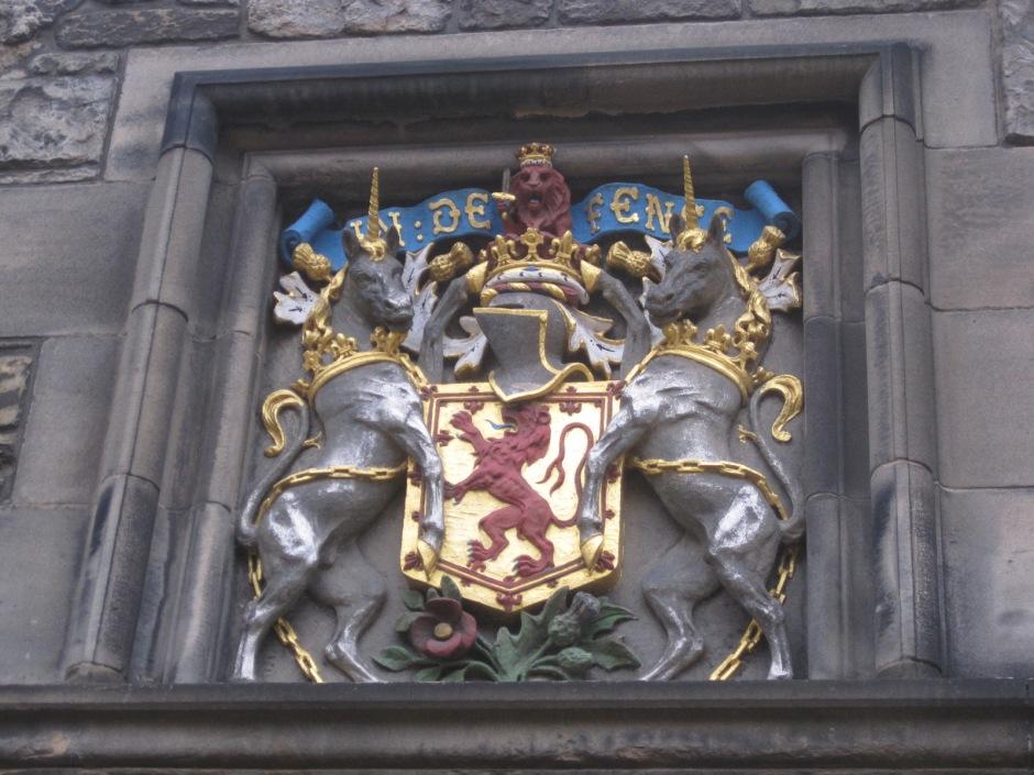The lion and the unicorns grace Edinburgh Castle