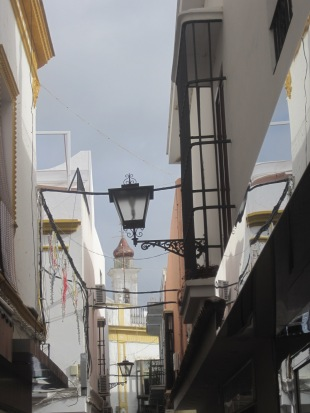 The dome towers over the winding streets