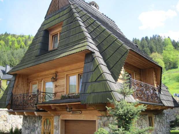 This was one of my favourite houses- just look at that roof!