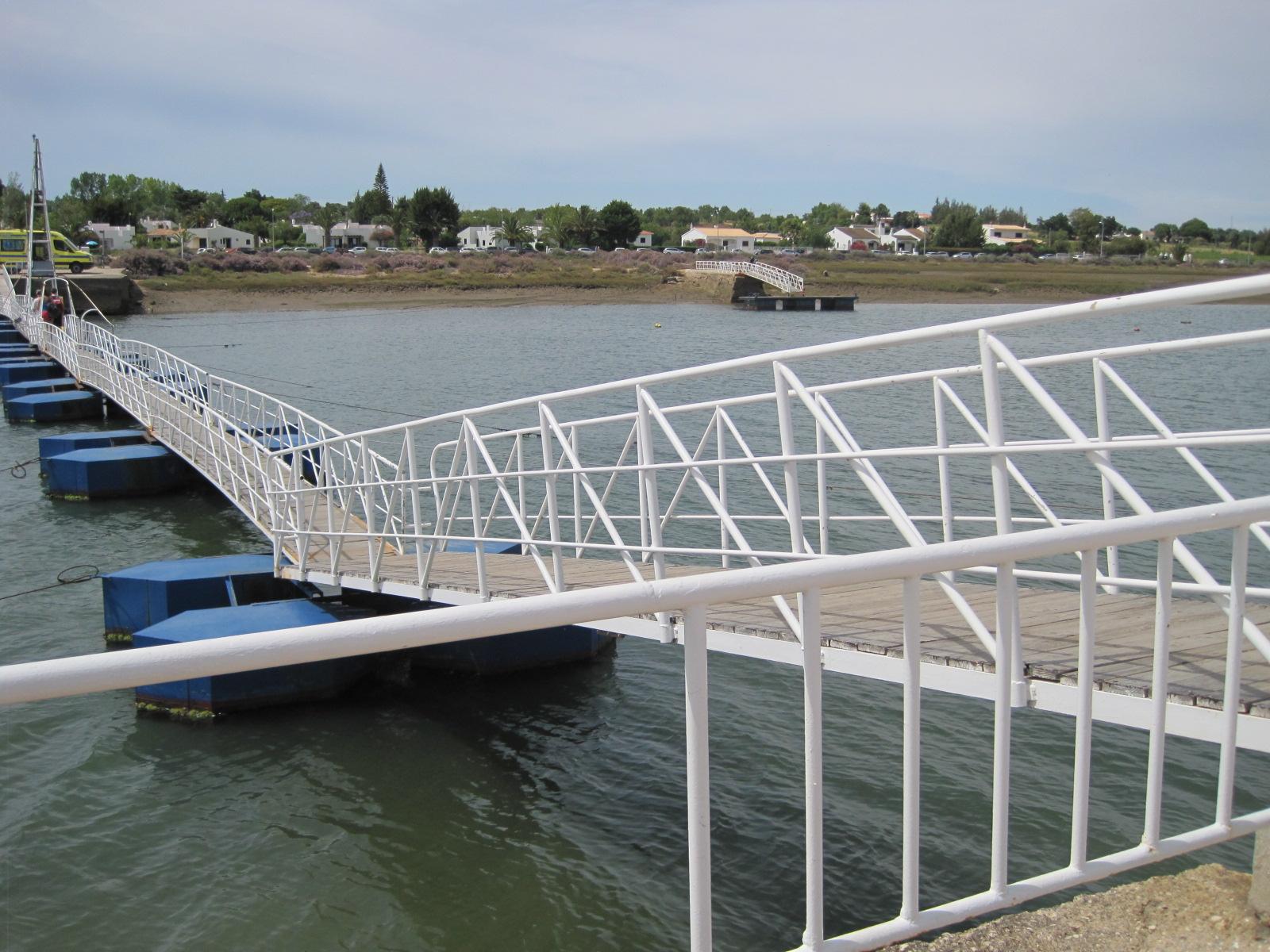 Looking back over the pontoon to Pedras d'el Rei