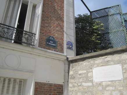 In Rue d'Orchampt, the tragic story of beautiful Dalida