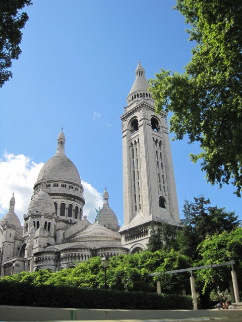 Gazing on the Sacre Couer