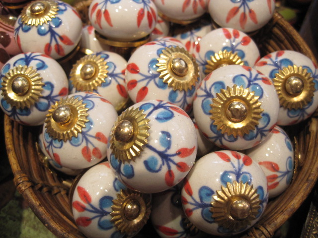 Doorknobs to die for!
