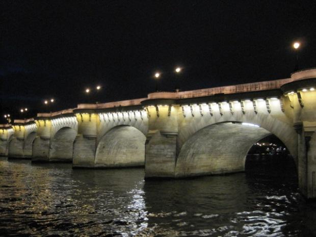 The sparkling Seine by night
