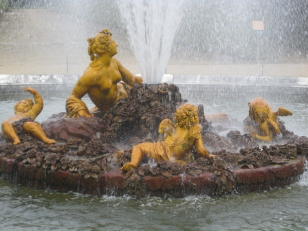 Water babies at Versailles
