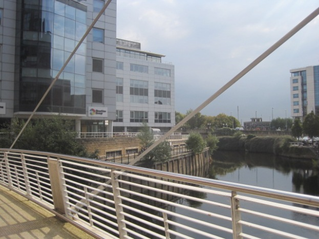 New footbridge into Granary Wharf