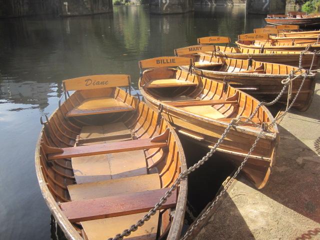 I love the boat names
