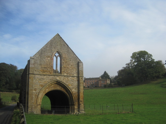 The gatehouse lay just across the lane