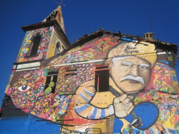 Vivenda Victoria is his best known work, in the main street of Olhão