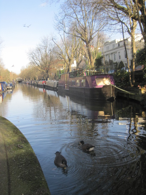 Life on a canal wouldn't be so bad!