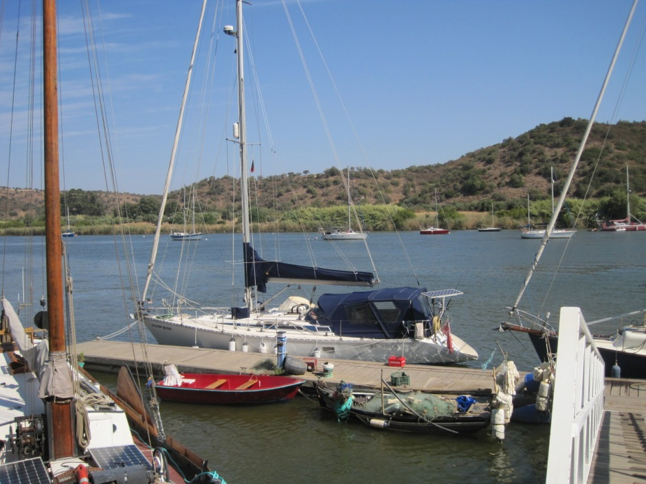 The moorings at Laranjeiras