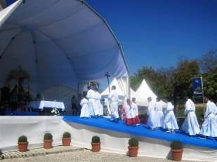The arrival of the priests
