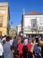The Senhora arrives at the church square