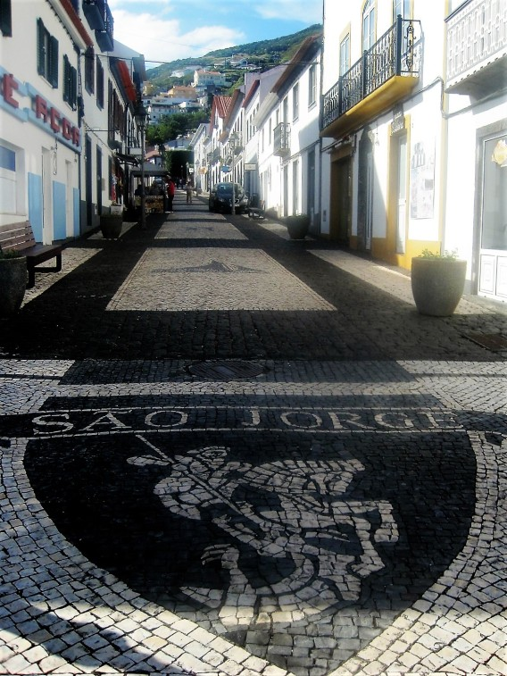 The main street in Velas, on Sáo Jorge